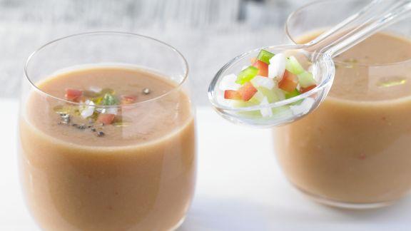 Rezept: Gazpacho mit Weißbrot