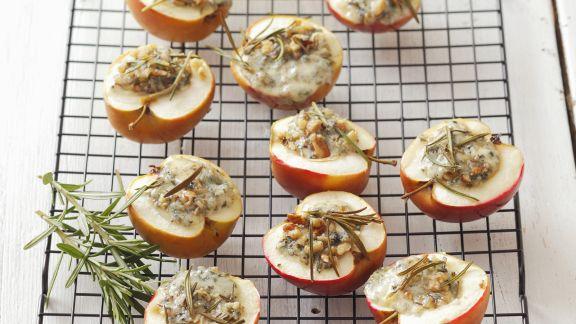 Rezept: Gebackene Äpfel mit Blauschimmel gefüllt
