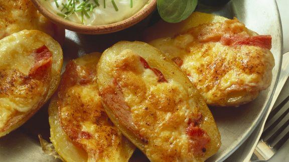 Rezept: Gebackene Kartoffeln mit Speck und Käse