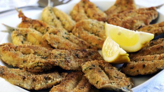 Rezept: Gebackene Sardinen mit Kräuter-Parmesan-Panade