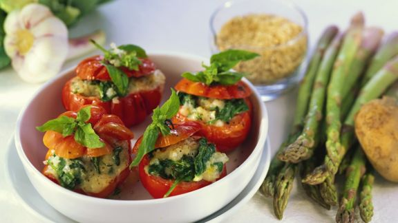 Rezept: Gebackene Tomaten mit Spinatfüllung