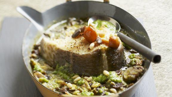 Rezept: Gebackener Kabeljau mit Pilzen und Pinienkernen