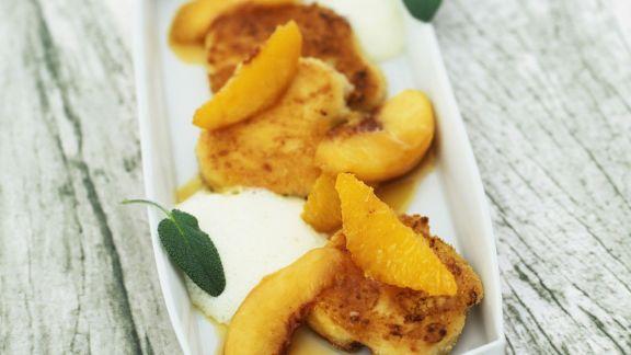 Rezept: Gebackener Ziegenkäse mit Pfirsichen und Olivenöljoghurt