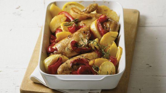 Rezept: Gebackenes Zitronenhühnchen mit Paprika und Kartoffeln