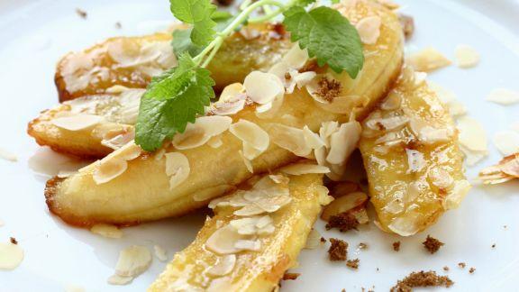 Rezept: Gebratene Bananen mit Mandeln
