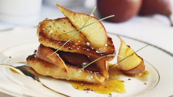 Rezept: Gebratene Birnen mit Soße aus Honig und Pfeffer