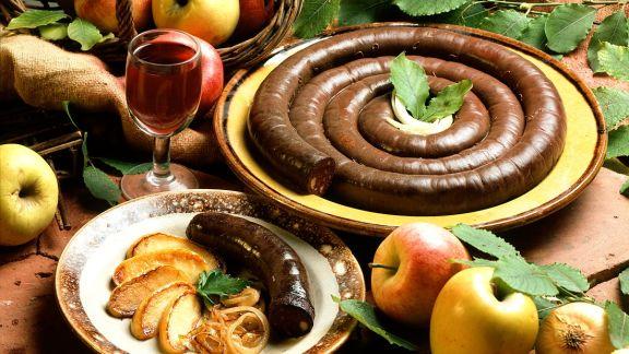Rezept: Gebratene Blutwurst mit Zwiebeln und Apfel