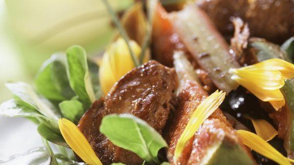 Rezept: Gebratene Entenleber mit Feigen, Feldsalat und Rhabarber