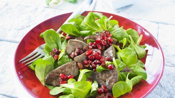 Rezept: Gebratene Entenleber mit Feldsalat und Granatapfel
