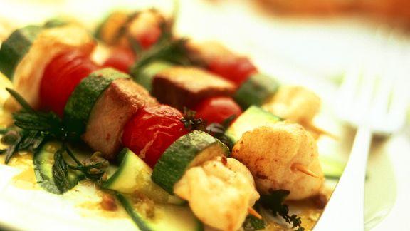 Rezept: Gebratene Fisch-Gemüse-Spieße