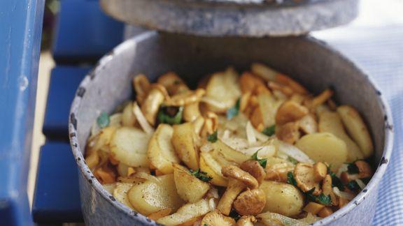 Rezept: Gebratene Kartoffeln mit Pfifferlingen