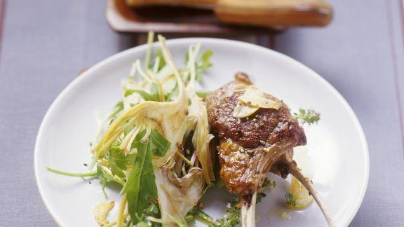 Rezept: Gebratene Lammchops mit Rucola-Artischocken-Salat