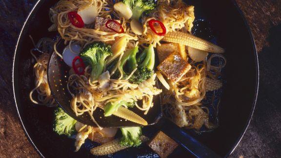 Rezept: Gebratene Mie-Nudeln mit Tofu und Gemüse