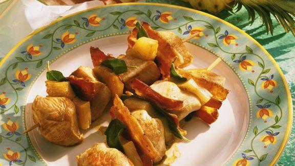 Rezept: Gebratene Puten-Ananasspieße