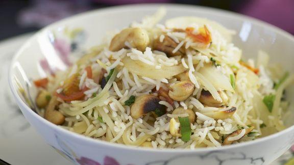 Rezept: Gebratener Reis mit Cashews und Gemüse