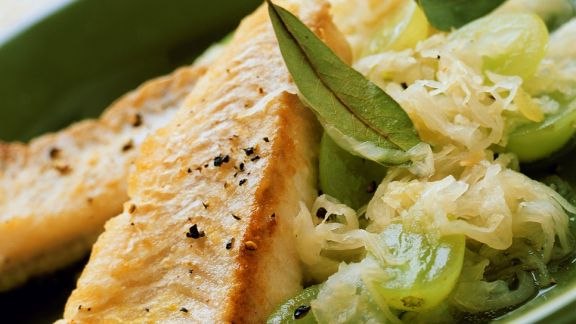 Rezept: Gebratenes Filet vom Seelachs mit Traubenkraut