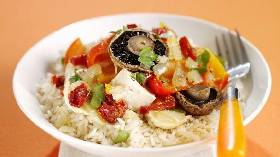 Rezept: Gebratenes Gemüse mit Tofu und Reis