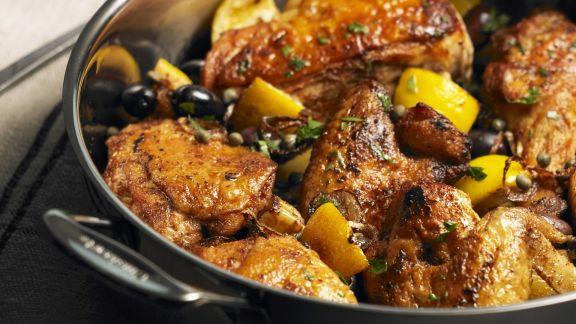 Rezept: Gebratenes Hähnchen mit Oliven und Zitronen