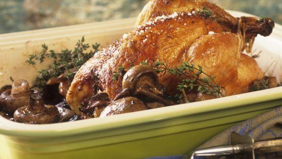 Rezept: Gebratenes Hähnchen und Champignons und Thymian