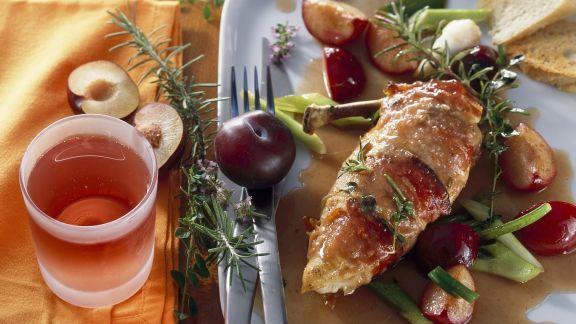 Rezept: Gebratenes Hähnchenbrustfilet mit Pflaumen