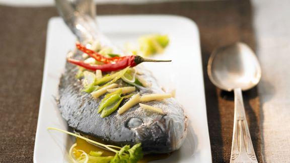 Rezept: Gedämpfte Brasse nach Chinesischer Art