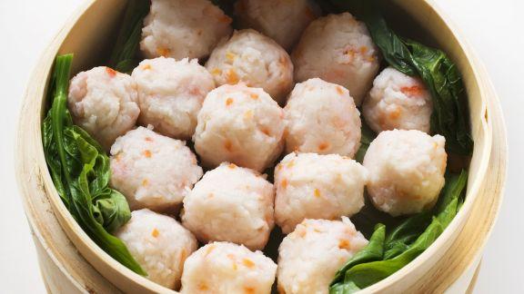 Rezept: Gedämpfte Shrimpsbällchen auf Thai-Art
