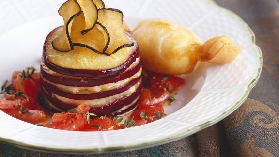 Rezept: Gefächerte Aubergine mit Tomaten