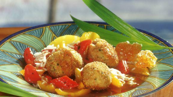 Rezept: Geflügelfrikadellen mit Honigsoße, Ananas und Paprika