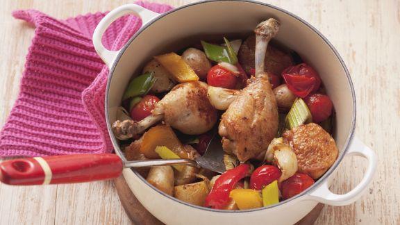 Rezept: Geflügelkeule auf buntem Gemüse