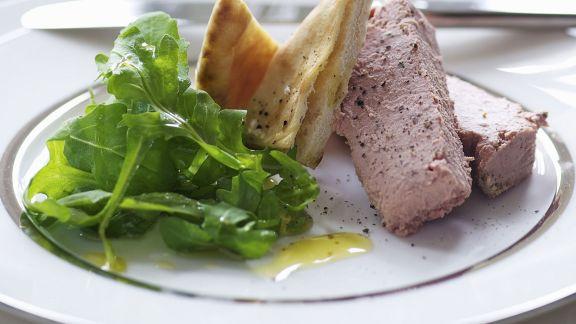 Rezept: Geflügelleberpastete mit Salat