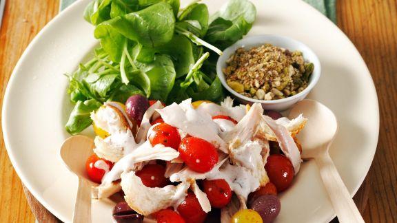 Rezept: Geflügelsalat mit Oliven und Mozzarella