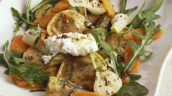 Rezept: Gefüllte Nudeln mit Artischocken, Karotten, Rucola und Ziegenkäse