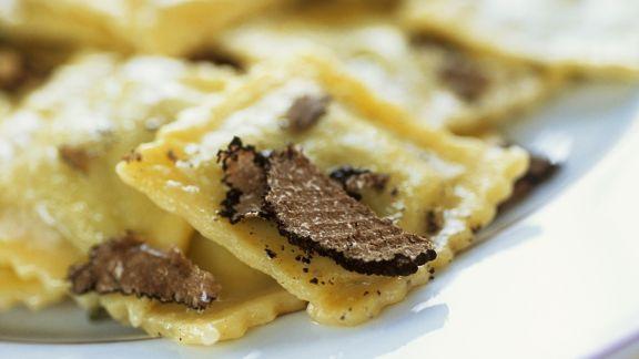 Rezept: Gefüllte Pasta mit schwarzen Trüffeln