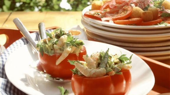 Rezept: Gefüllte Tomaten mit Avocado und Shrimps