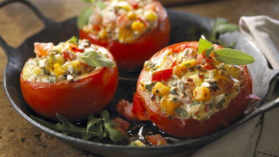 Rezept: Gefüllte Tomaten mit Sonnenblumenkernen