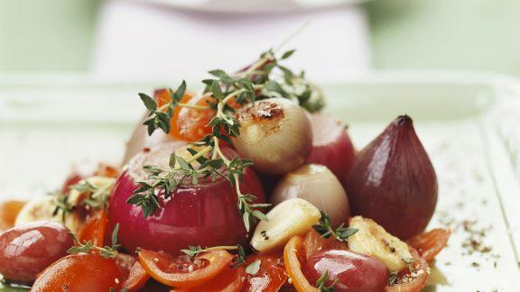Rezept: Gegarte rote Zwiebeln mit Tomaten