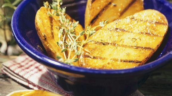Rezept: Gegrillte Kartoffelhälften