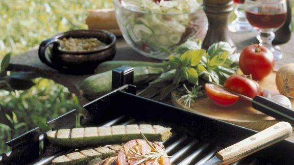 Rezept: Gegrillte Koteletts mit Gemüse