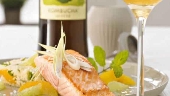 Rezept: Gegrillte Lachstranchen mit Zitrus-Couscous