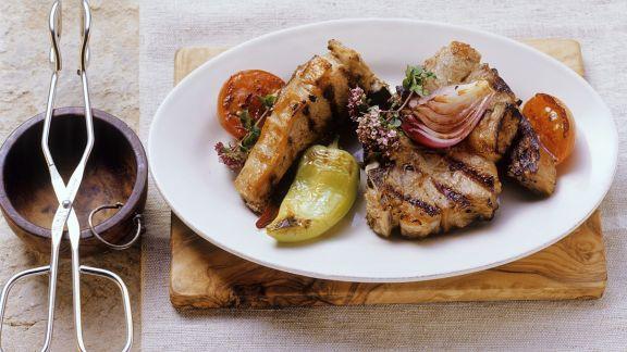 Rezept: Gegrillte Lammkoteletts mit Gemüse