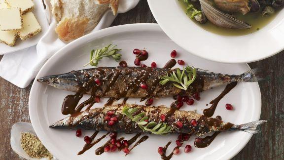 Rezept: Gegrillte Makrelen mit Grenadinesoße