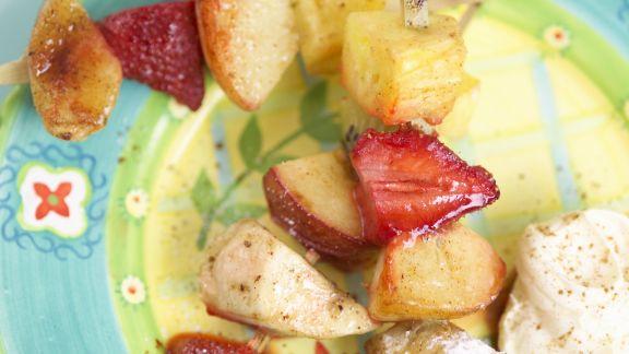 Rezept: Gegrillte Obstspieße