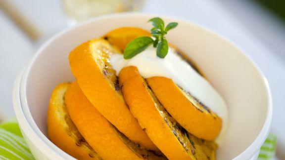 Rezept: Gegrillte Orange mit Vanillesoße