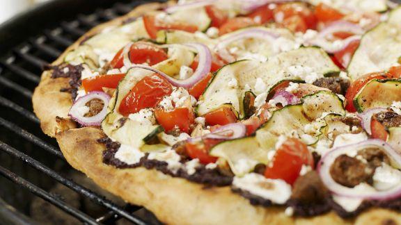 Rezept: Gegrillte Pizza auf griechische Art