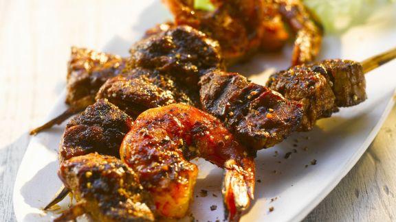 Rezept: Gegrillte Rindfleisch-Shrimps-Spieße