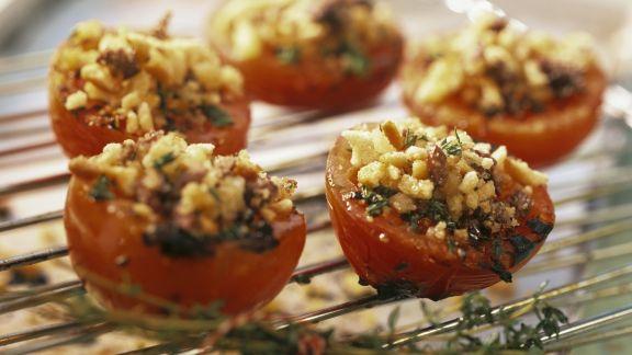 Rezept: Gegrillte Tomaten mit knuspriger Brotkruste