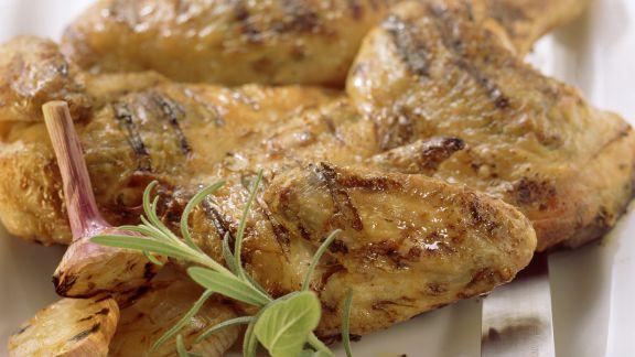Rezept: Gegrilltes Hähnchen mit Knoblauch und Kräutern