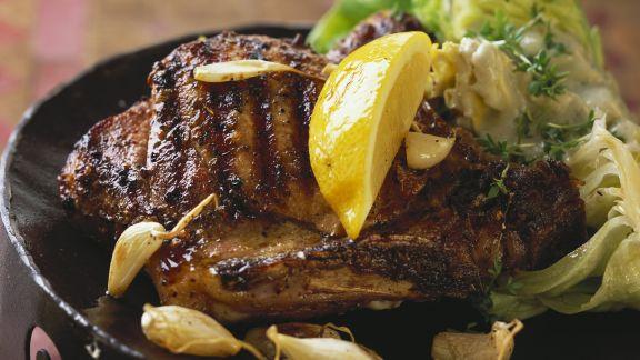 Rezept: Gegrilltes Kotelett vom Schwein mit Knoblauch