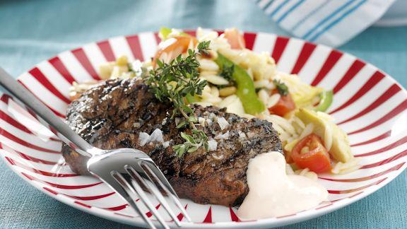 Rezept: Gegrilltes Steak vom Rind mit Gemüse