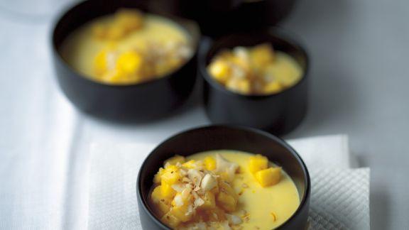 Rezept: Gelbe Panna cotta mit Mango und Safran